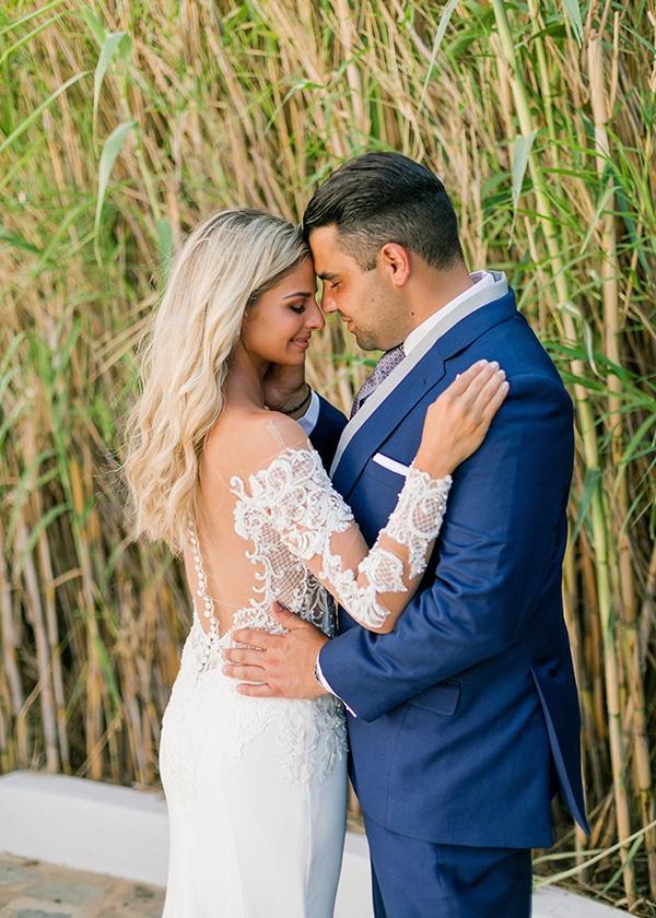 dreamy-elegant-wedding-athens-white-flowers-fairy-lights_02x
