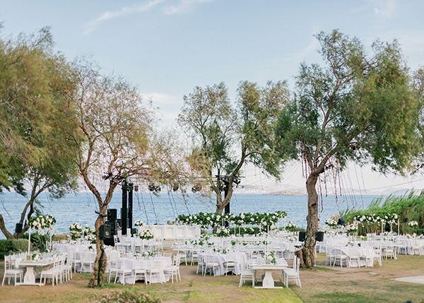 dreamy-elegant-wedding-athens-white-flowers-fairy-lights_09x