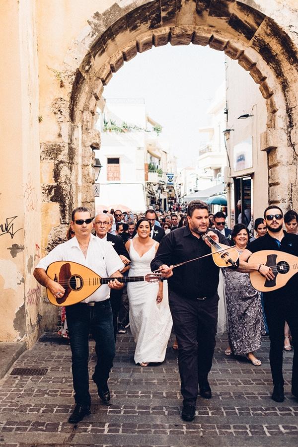 dreamy-outdoor-wedding-crete-magical-view_07