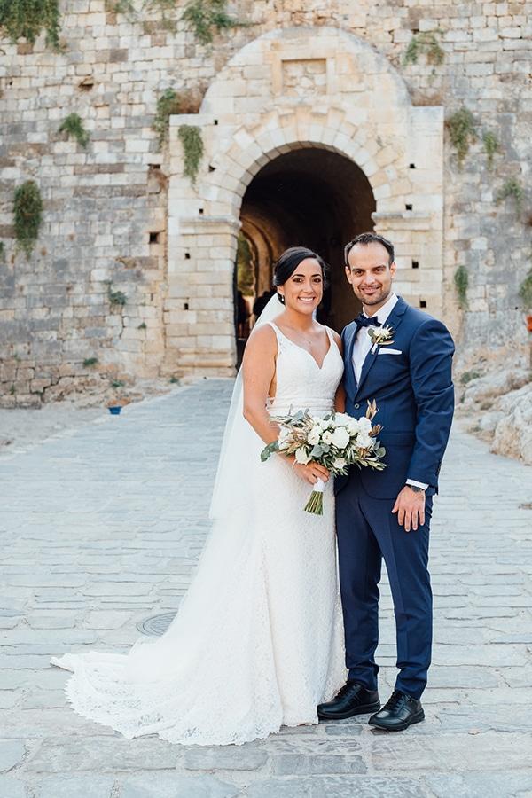 dreamy-outdoor-wedding-crete-magical-view_09x