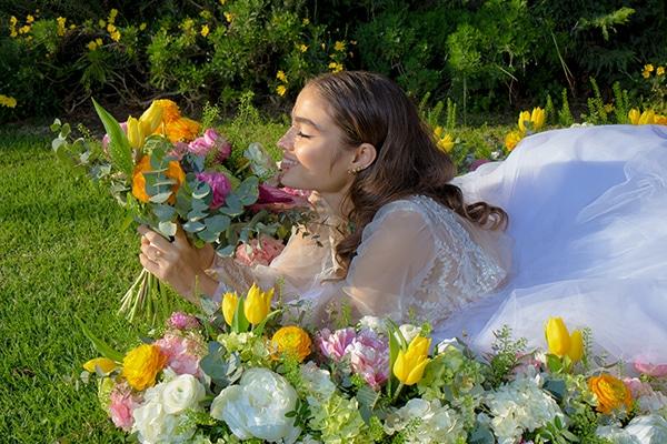 Παραμυθένια φωτογράφιση στην Αθηναϊκή Ριβιέρα με ρομαντική – elegant διακόσμηση