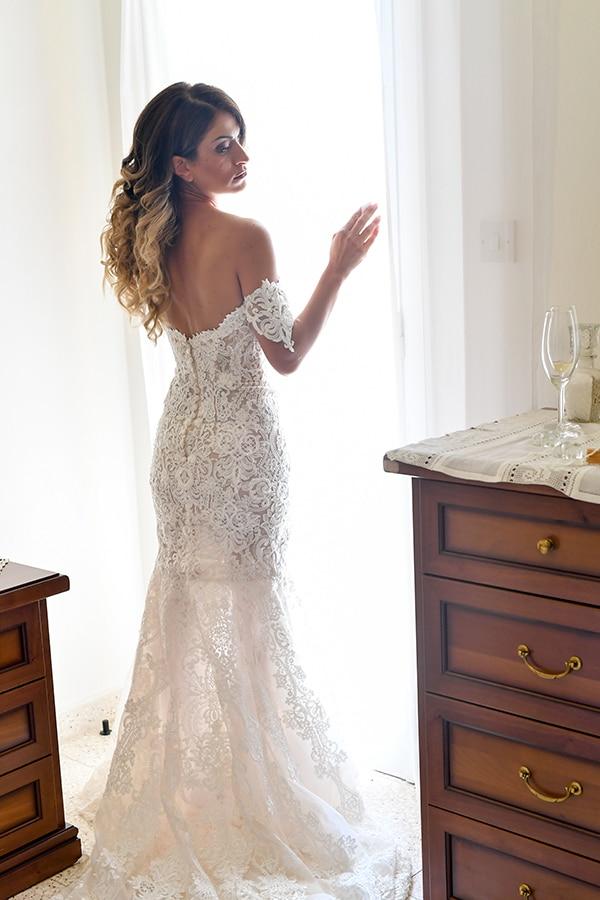 elegant-autumn-wedding-nicosia-beautiful-floral-design-burgundy-pastel-white-hues_09