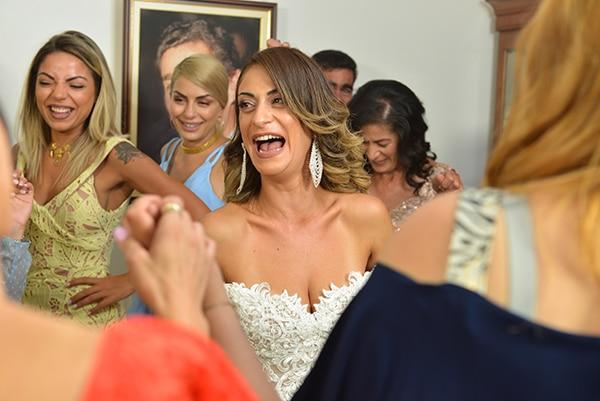 elegant-autumn-wedding-nicosia-beautiful-floral-design-burgundy-pastel-white-hues_12