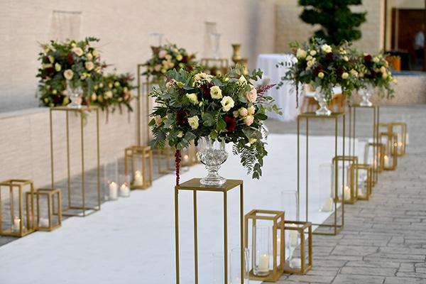 elegant-autumn-wedding-nicosia-beautiful-floral-design-burgundy-pastel-white-hues_12x