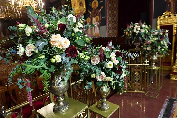 elegant-autumn-wedding-nicosia-beautiful-floral-design-burgundy-pastel-white-hues_16x