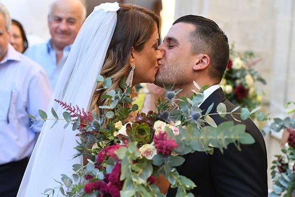 elegant-autumn-wedding-nicosia-beautiful-floral-design-burgundy-pastel-white-hues_18x