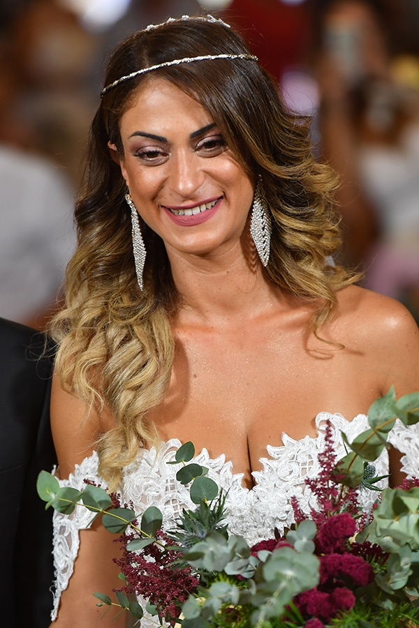 elegant-autumn-wedding-nicosia-beautiful-floral-design-burgundy-pastel-white-hues_19x
