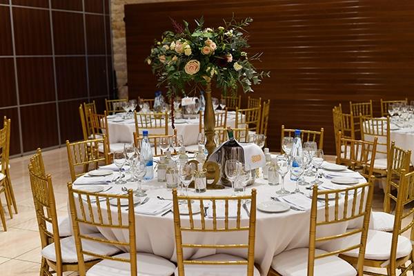elegant-autumn-wedding-nicosia-beautiful-floral-design-burgundy-pastel-white-hues_22