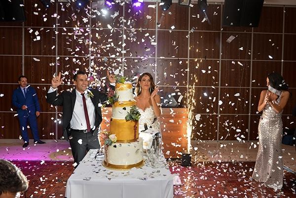 elegant-autumn-wedding-nicosia-beautiful-floral-design-burgundy-pastel-white-hues_24
