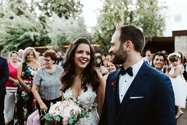 Φθινοπωρινός πολιτικός γάμος στην Αθήνα με ρομαντικές λεπτομέρειες και ροζ πινελιές │ Σταυρούλα & Γιώργος