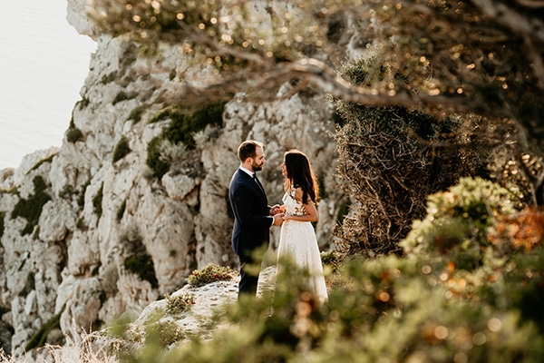 fall-civil-wedding-athens-romantic-details-pink-details_01x