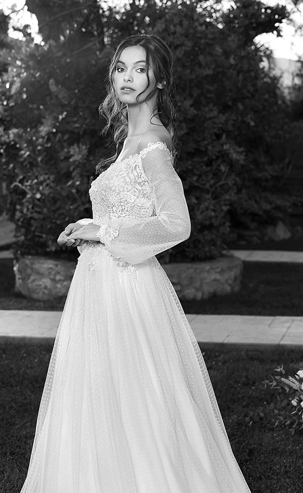 flowy-wedding-dresses-most-romantic-bridal-look_02x