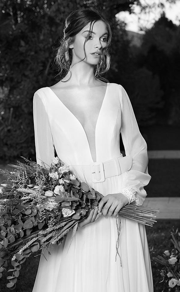 flowy-wedding-dresses-most-romantic-bridal-look_03x