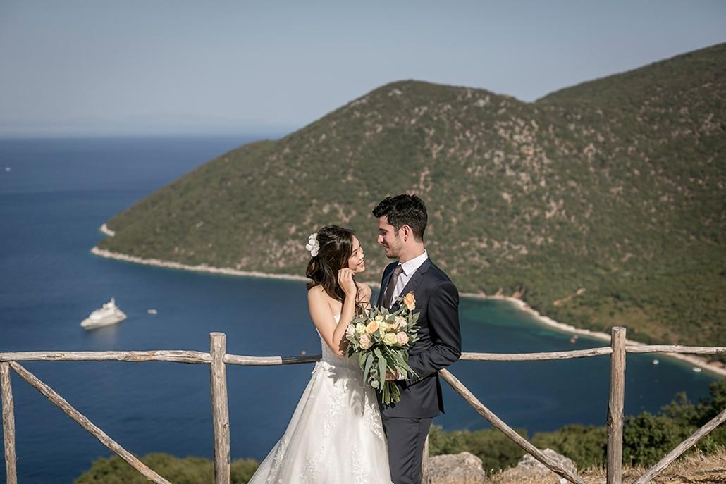 Νησιώτικος γάμος στην Κεφαλονιά με ελιά και λευκά τριαντάφυλλα │ Cherie & Αντώνιος