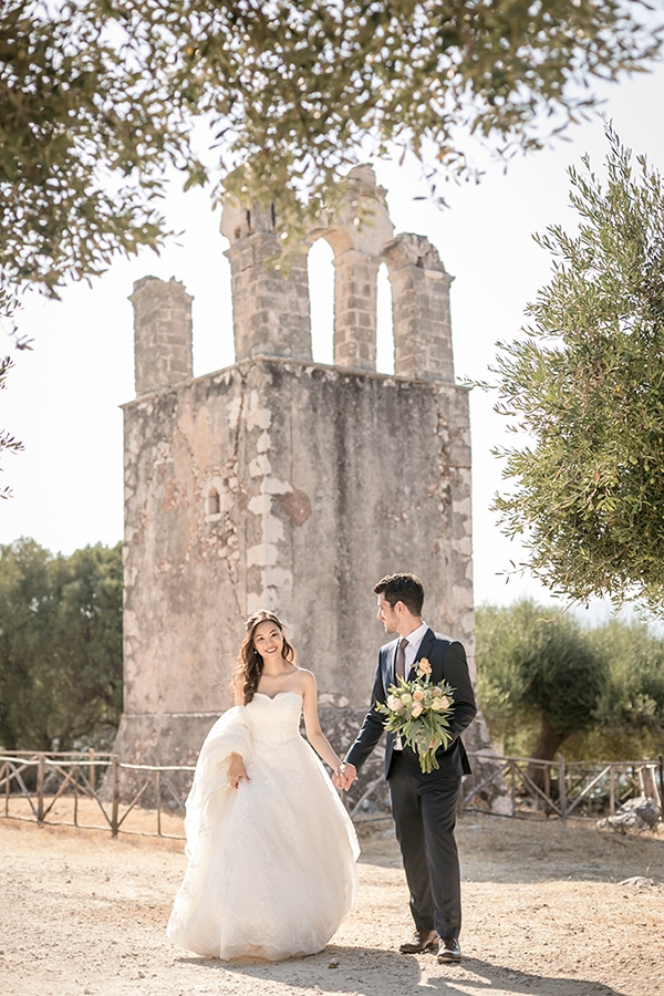 greek-island-wedding-kefalonia-olive-branches-white-roses_03