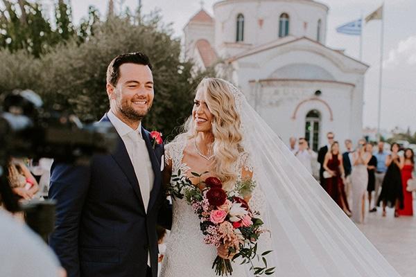 Luxurious φθινοπωρινός γάμος στην Λάρνακα με κρυστάλλινους πολυελαίους και fairy lights│ Τζουλιάνα & Κυριάκος