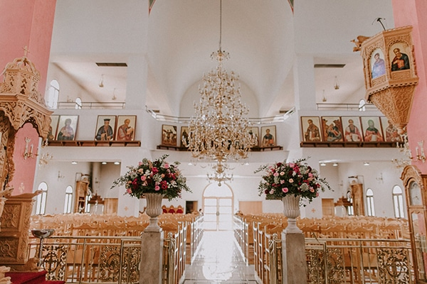 luxurious-fall-wedding-larnaca-crystal-chandeliers-fairy-lights_13