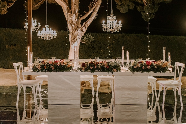 luxurious-fall-wedding-larnaca-crystal-chandeliers-fairy-lights_30