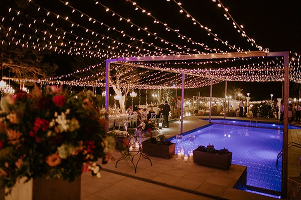 luxurious-fall-wedding-larnaca-crystal-chandeliers-fairy-lights_37