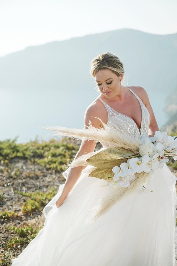 montern-bohemian-summer-wedding-dreamy-santorini-pampas-grass_02x
