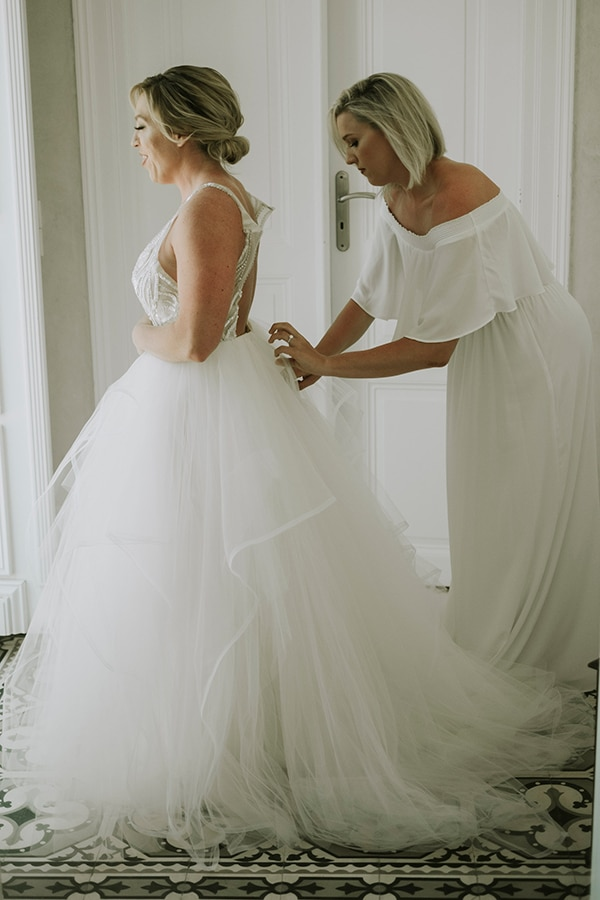 montern-bohemian-summer-wedding-dreamy-santorini-pampas-grass_07