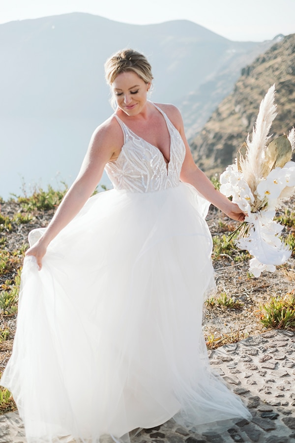 montern-bohemian-summer-wedding-dreamy-santorini-pampas-grass_09x