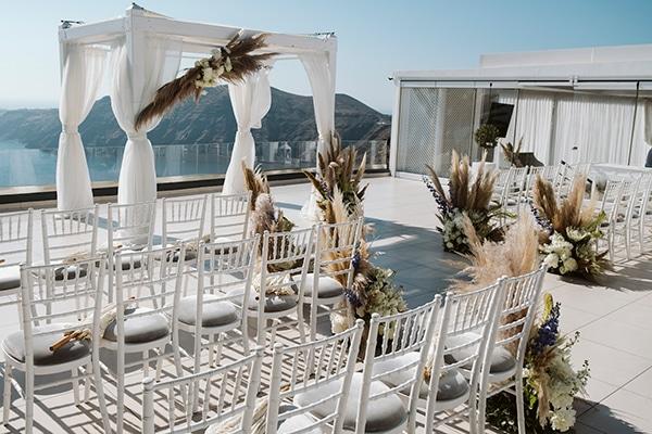 montern-bohemian-summer-wedding-dreamy-santorini-pampas-grass_14