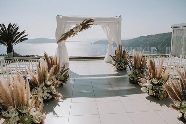 montern-bohemian-summer-wedding-dreamy-santorini-pampas-grass_15
