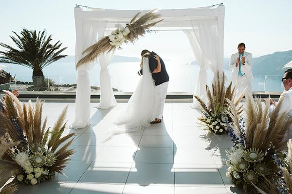 montern-bohemian-summer-wedding-dreamy-santorini-pampas-grass_24