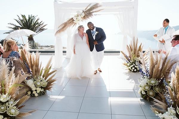 montern-bohemian-summer-wedding-dreamy-santorini-pampas-grass_25
