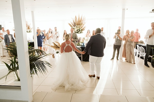 montern-bohemian-summer-wedding-dreamy-santorini-pampas-grass_27