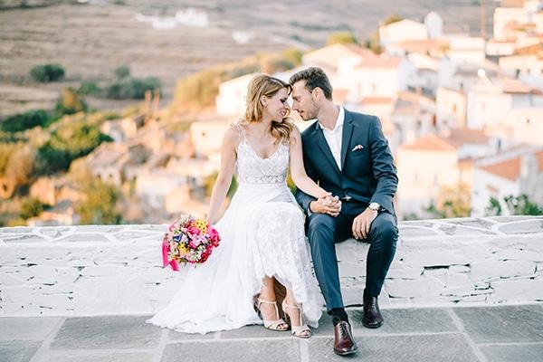 Μοντέρνος καλοκαιρινός γάμος στην Κύθνο με ζωηρά χρώματα │ Αθηνά & Παναγιώτης
