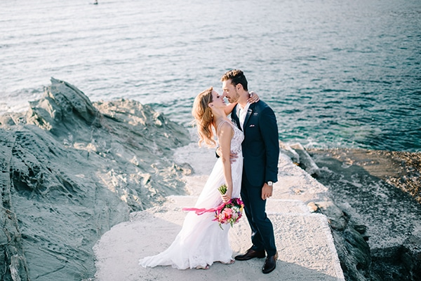 montern-summer-wedding-kythnos-vivid-colors_05