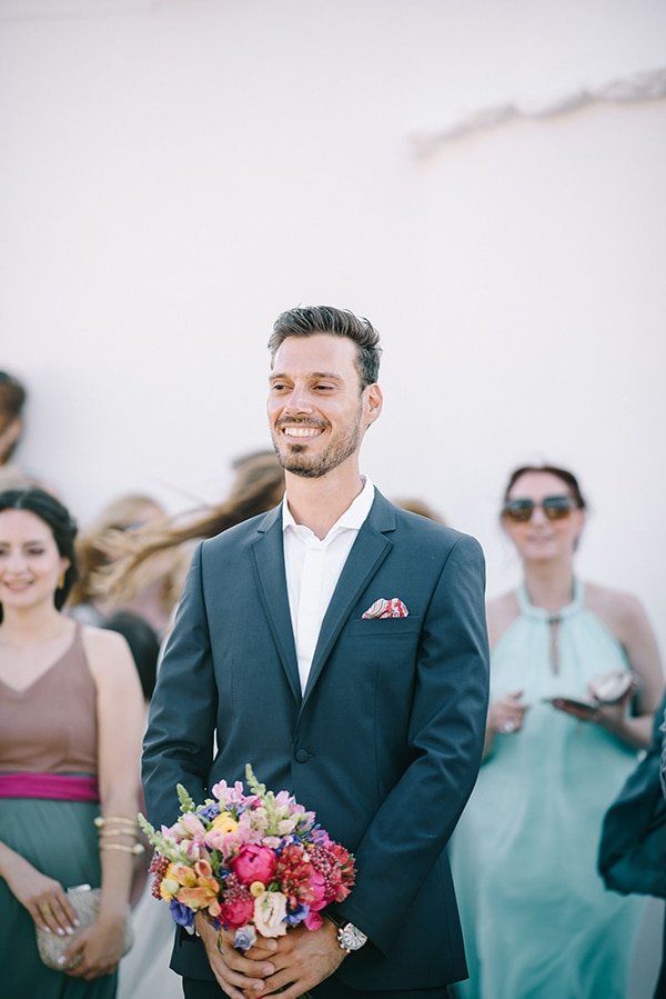 montern-summer-wedding-kythnos-vivid-colors_07