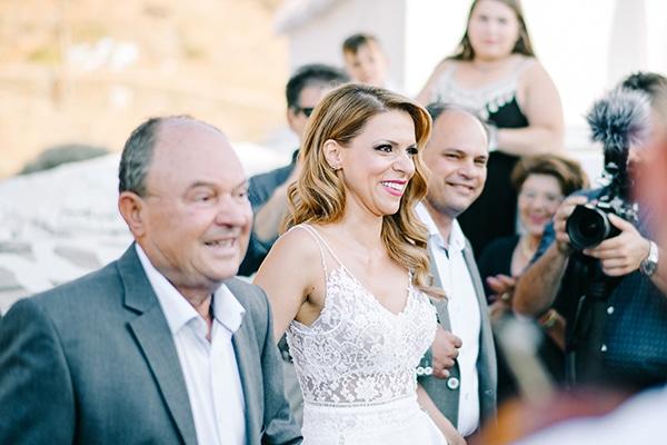 montern-summer-wedding-kythnos-vivid-colors_09
