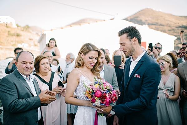 montern-summer-wedding-kythnos-vivid-colors_10