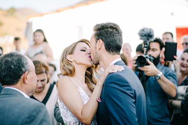 montern-summer-wedding-kythnos-vivid-colors_11