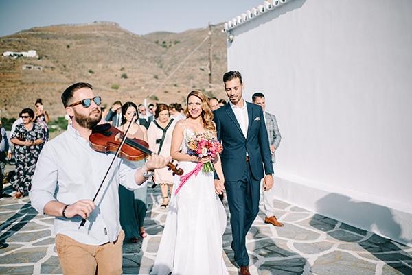 montern-summer-wedding-kythnos-vivid-colors_12