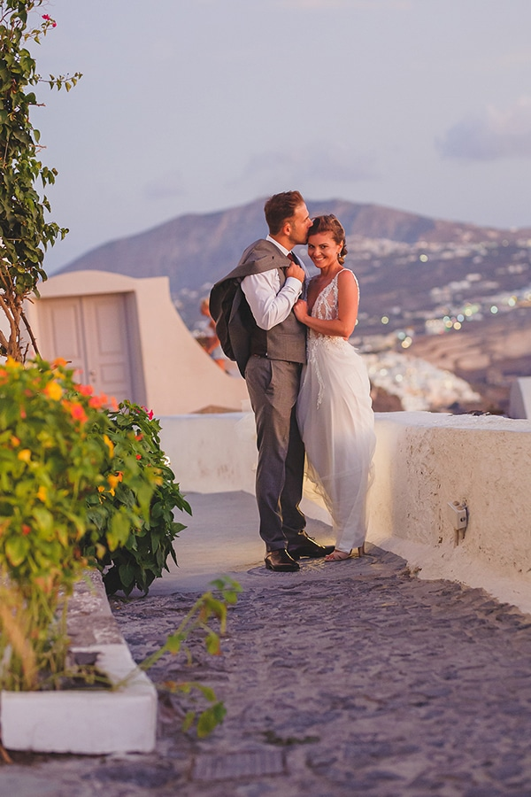 most-beautiful-summer-wedding-imerovigli-santorini_02x