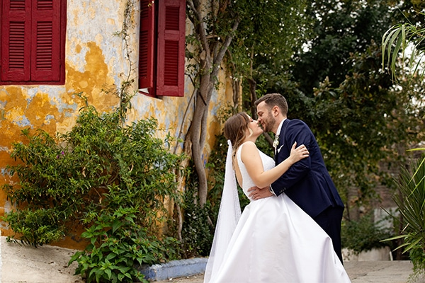 Ρομαντικός φθινοπωρινός γάμος στην Aθήνα σε λευκές αποχρώσεις │ Χριστίνα & Θανάσης