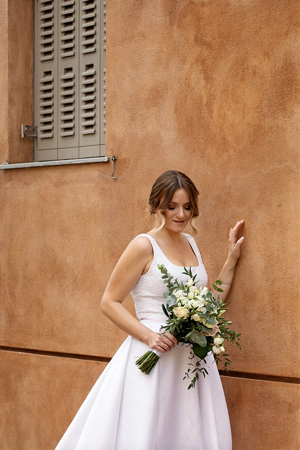 romantic-autumn-wedding-athens-white-hues_02