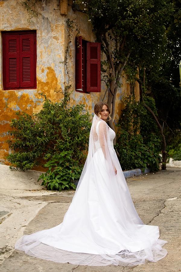 romantic-autumn-wedding-athens-white-hues_10