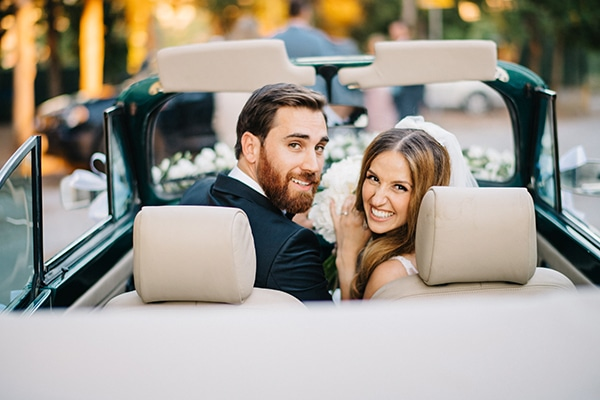 Ρομαντικός καλοκαιρινός γάμος με λευκές παιώνιες και κλαδιά ελιάς │ Εβίνα & Παναγιώτης