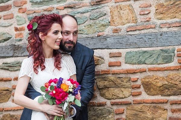 Ρομαντικος καλοκαιρινος γαμος στην Θεσσαλονικη σε ζωηρες αποχρωσεις του φουξια