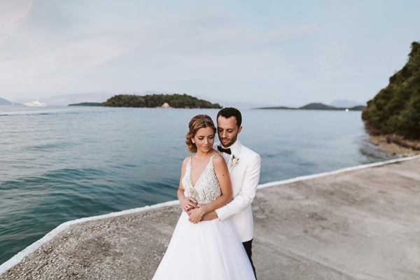 Ένας υπέροχος ρομαντικός γάμος στη Λευκάδα με φόντο το απέραντο γαλάζιο της θάλασσας │ Μαρία & Σπύρος