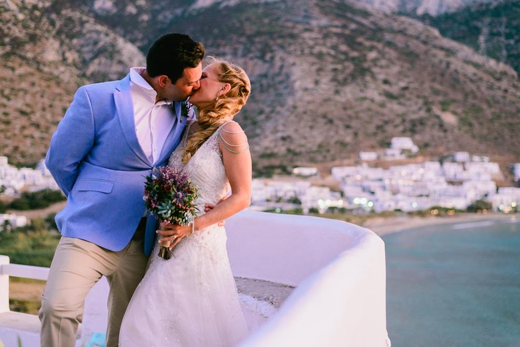 Υπέροχος rustic beach wedding στην Σίφνο σε αποχρώσεις του γαλάζιου και του πράσινου | Michelle & Φώτης