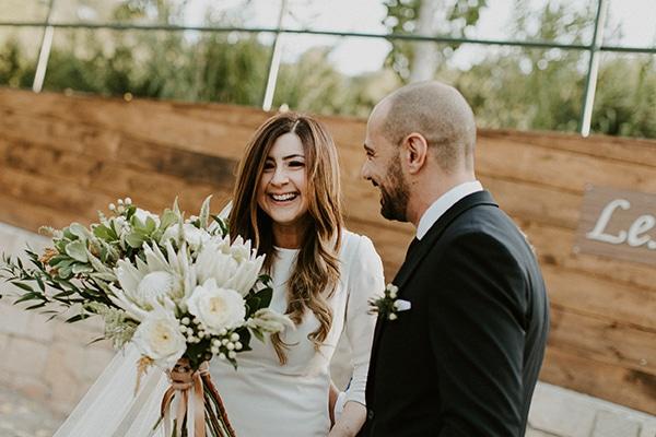 Ρουστίκ καλοκαιρινός γάμος στην Κύπρο με πρωτέα και fairy lights | Χριστιάνα & Nικόλας