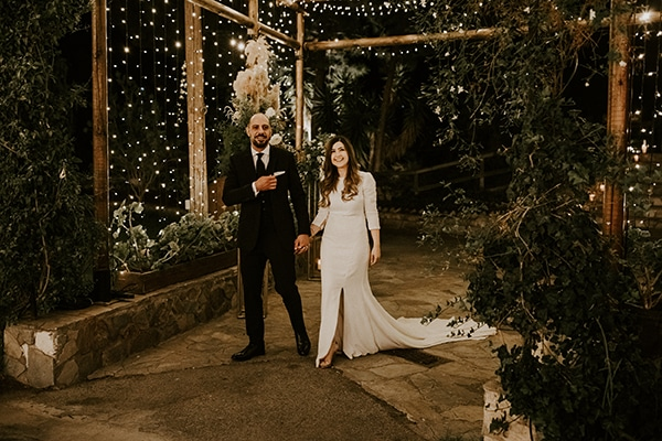 rustic-wedding-cyprus-protea-fairy-lights_28