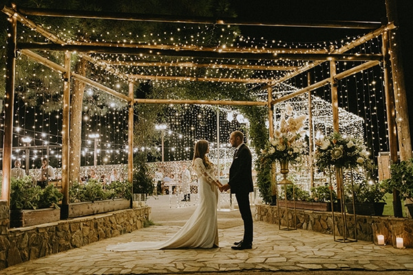 rustic-wedding-cyprus-protea-fairy-lights_31