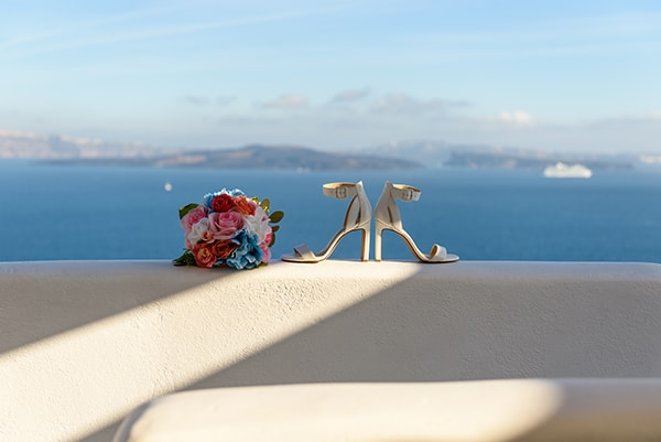 stunning-spring-wedding-santorini-magical-view_03